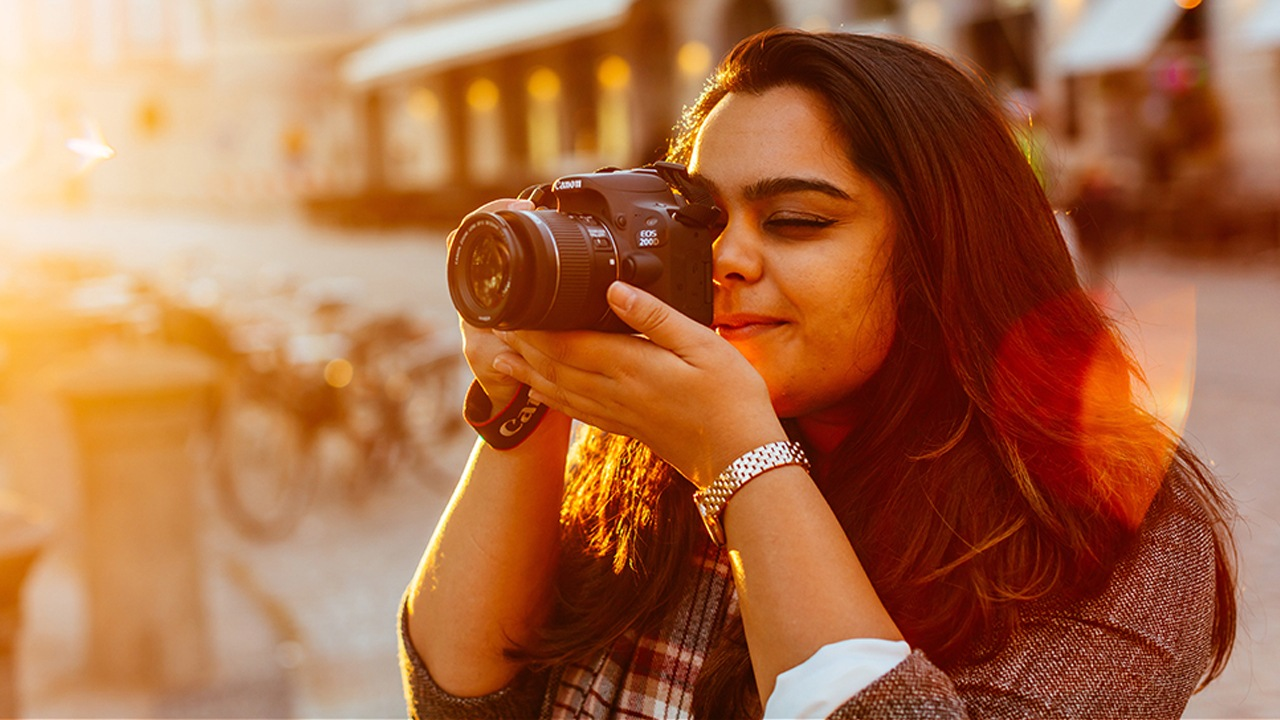How to Use Your First DSLR Camera | Guide For Beginners